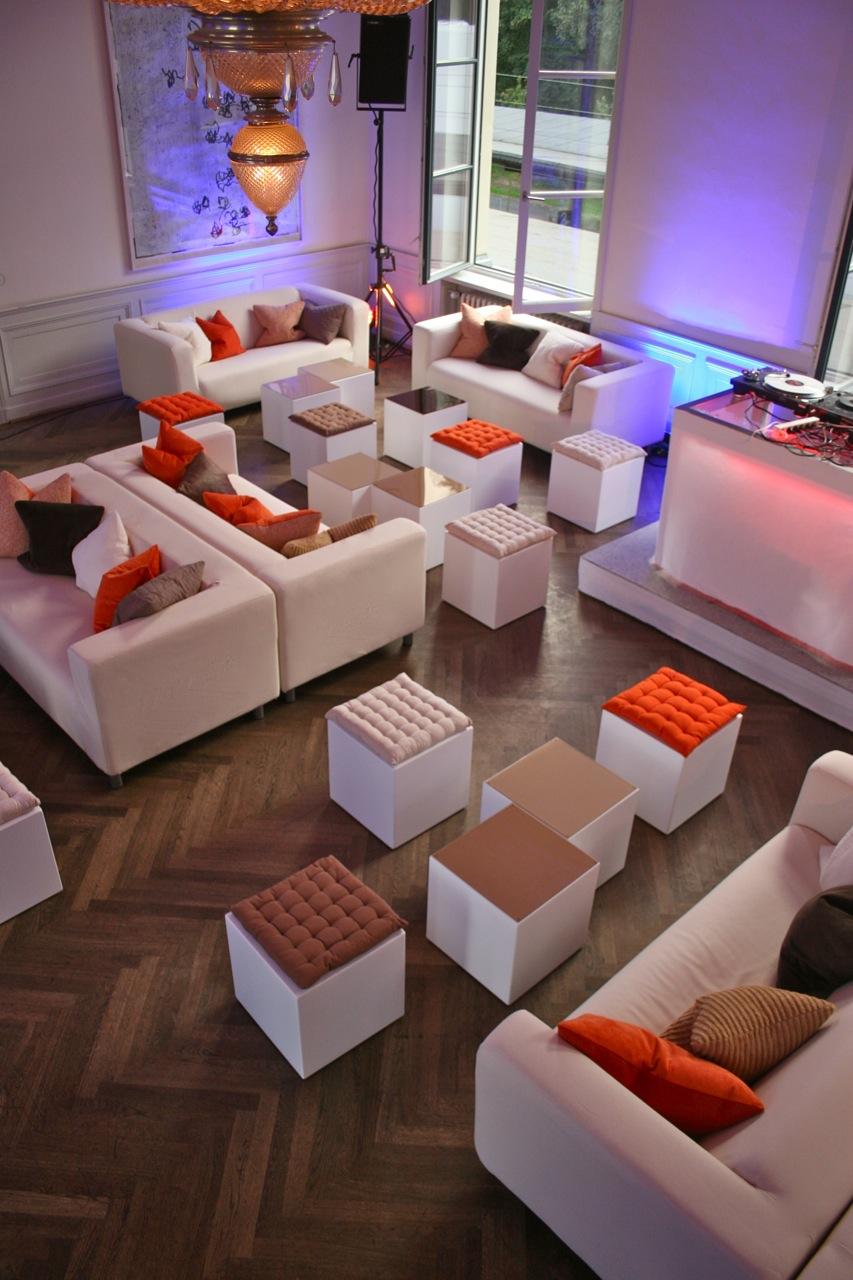 Lounge für Kommunikationsunternehmen 2
