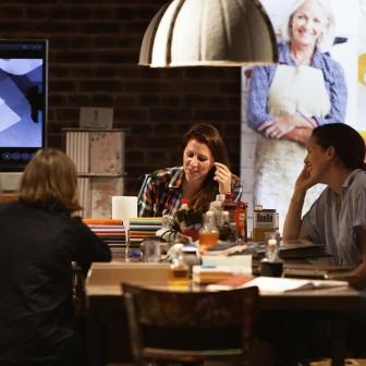 Moebel_Workshop_DIY_Furniture_Esther_Ollick_25