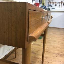 Aufarbeitung_Lady_Desk_by_Moebelaktivistin_4