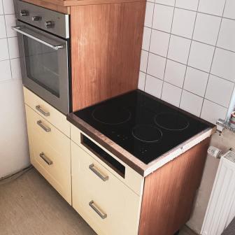 Moebelaktivistin_Kuechenfronten_in_Landhausgruen_lackieren_6